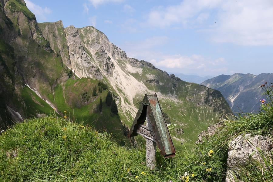 103 Am Stiegele - Blick in den Rauenhals.jpg