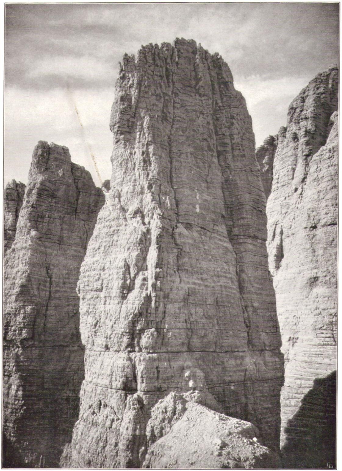 Adolf Witzenmann06 Kleine Zinne Nordwand von der Punta di Fridap.jpg